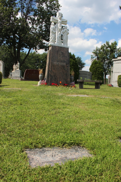 Thomas Licavoli's gravesight in Mt. Olivet Cemetery