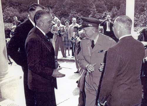 Governor Harry Kelly with General George Marshall on Mackinac Island, in the first stages of planning NATO.