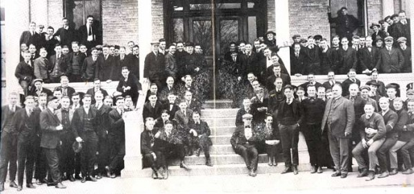 Notre Dame's Class of 1917 (Harry in top left--see below)
